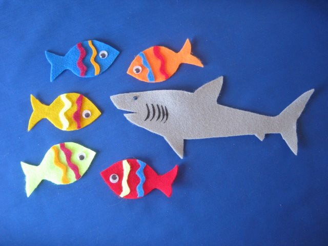 Felt board magic rhymes songs stories games page 2 for Baby fish song